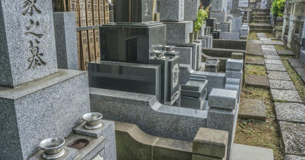 お墓のリフォームのタイミングや目安は?かかる費用や注意点